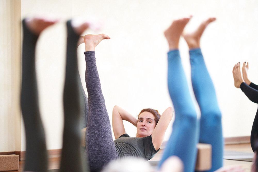 Yoga-Geneve-Geneva-INNERCITYOGA-Studio-Founder-Ioana-Pop-Teach-DSC01495.jpg