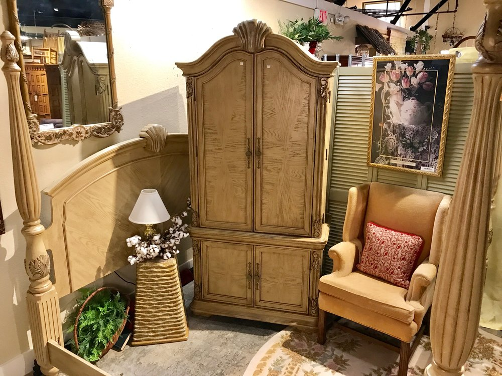 SOLD!!!!    Blonde Armoire   C0948  -   19139