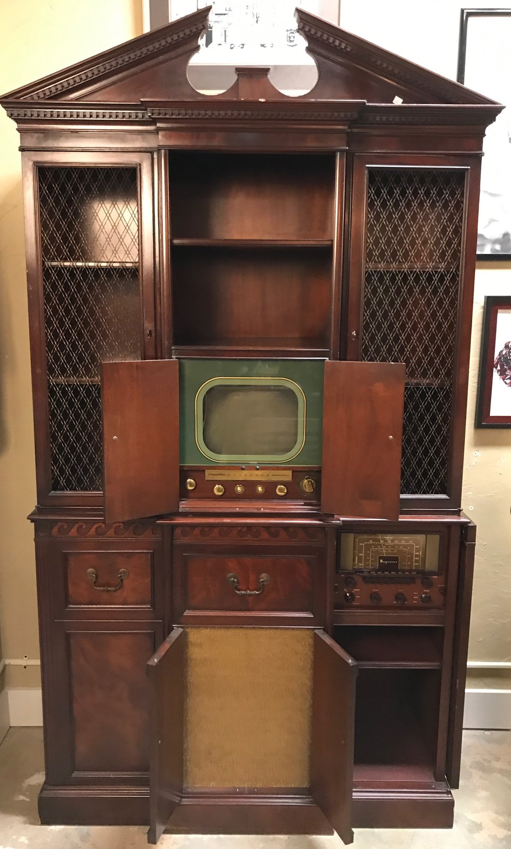 Magnavox Imperial Windsor Cabinet $699.95 -  C0924 19630