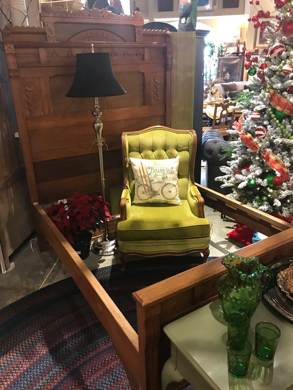 Vintage Green Arm Chair   C0959  -  19077