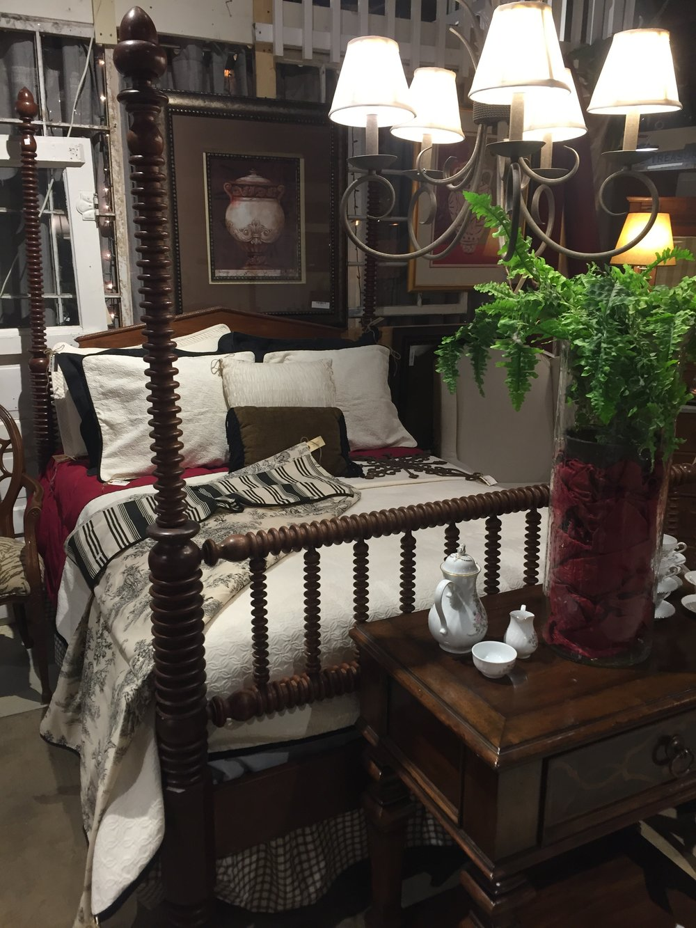 Turned Spool Poster Bed $999.00 C0940  -  19249