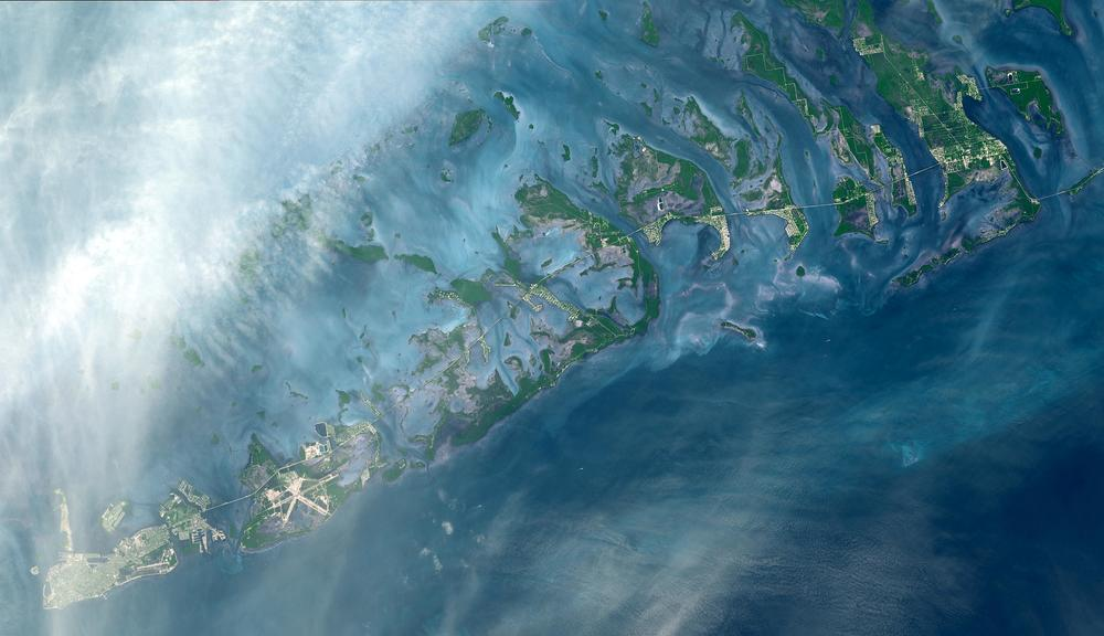 The Florida Keys.  Credit: NASA/METI/AIST/Japan Space Systems, and U.S./Japan ASTER Science Team