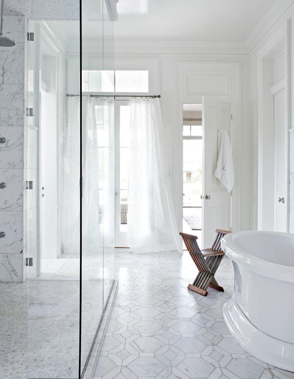the manor bathroom.jpg