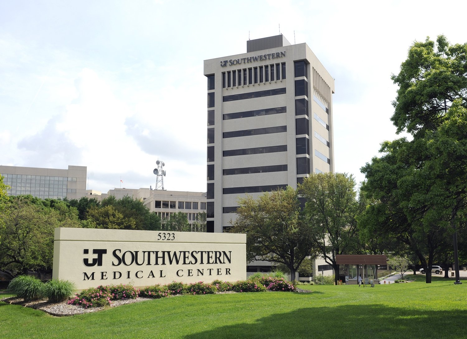 UNIVERSITY OF TEXAS SOUTHWESTERN MEDICAL CENTER AT DALLAS