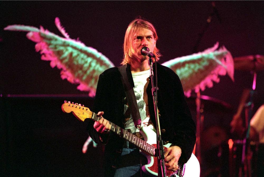 kurt-cobain-wings-mtv-live-1993jpg-1.jpg