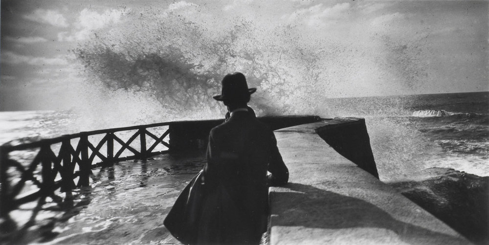 Beach at Villerville. Lartigue, 1914