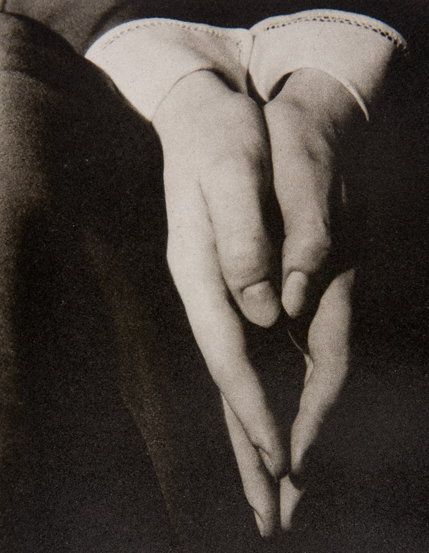Photography: Alfred Stieglitz | Hands