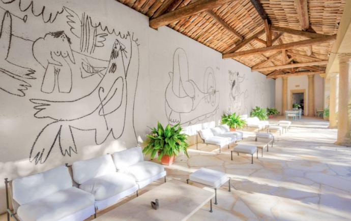 Photography: Dimitria Markou | Chateau de Castille | Picasso Walls