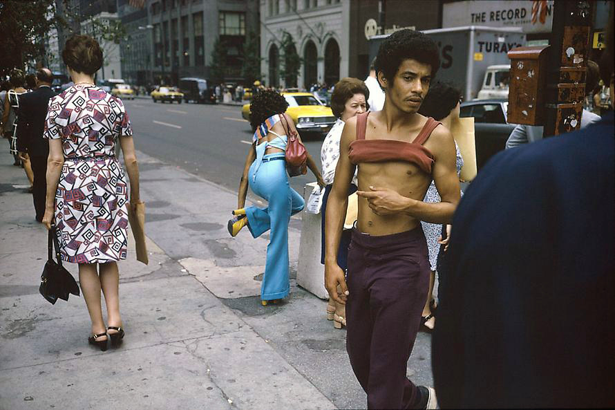 joel-meyerowitz-new-york-city-42nd-and-fifth-ave-1974-web.jpg