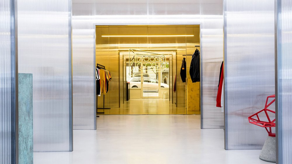 fools-gold-147-grand-st-the-principals-and-family-interiors-fashion_dezeen_2364_hero-1.jpg