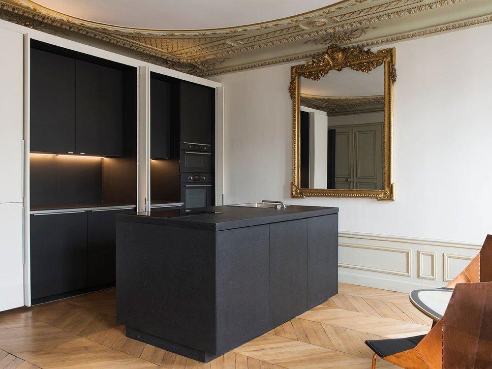 f5_diego_delgado_elias_paris_apartment_photo_by_yannick_labrousse_yatzer.jpg
