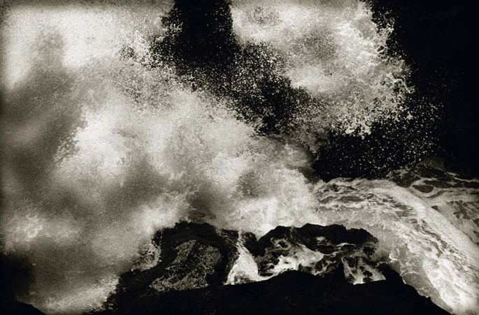 Photography: William Oldacre | Exploding wave on lava shore, Maui
