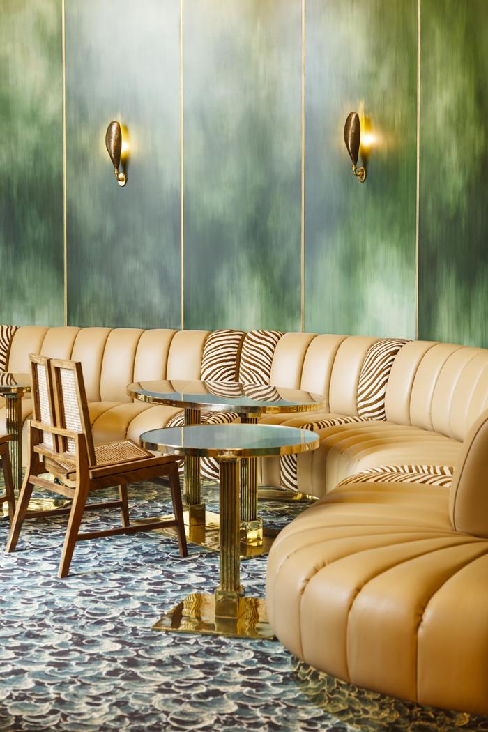 hd_blanche_restaurant_5_jpg_219_north_700x_white Paris.jpg