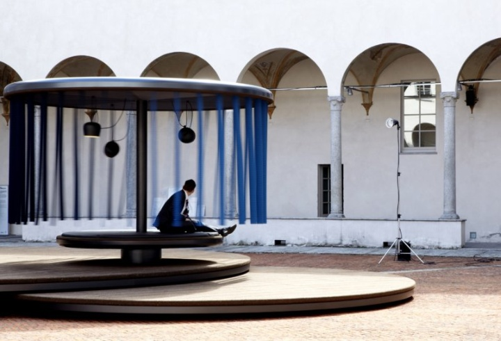 Quiet-Motion-installation-by-Ronan-Erwan-Bouroullec-for-BMW-Milan-02.jpg