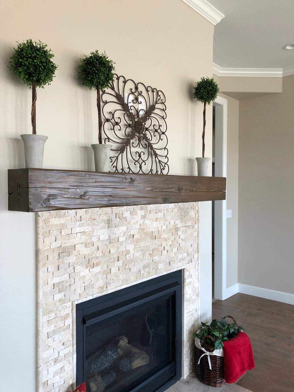 3oaklawnfireplacemantle.JPG