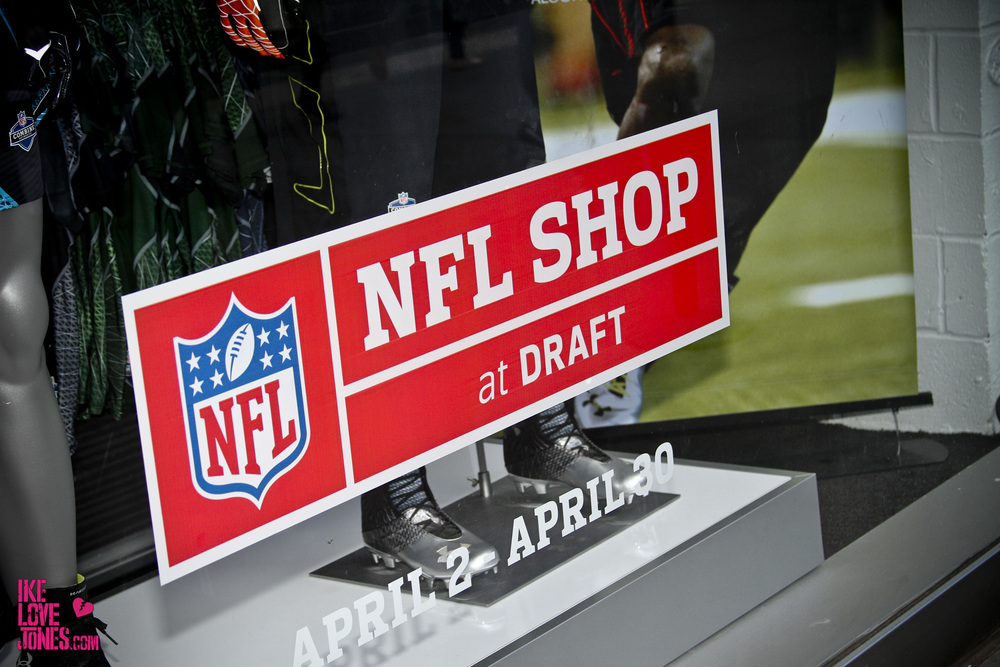 nfl-shop-at-draft-2012_15930387071_o.jpg