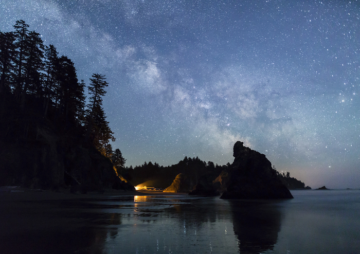 Young, Colin_Milky Way over Ruby Beach Campfire_1928291.jpg