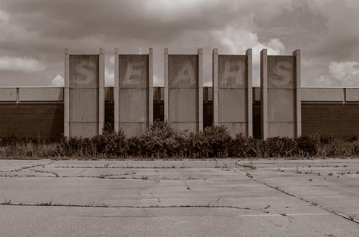 "Gary Beeber -   SEARS -   Photograph (10"" x 6.667"")  $500"