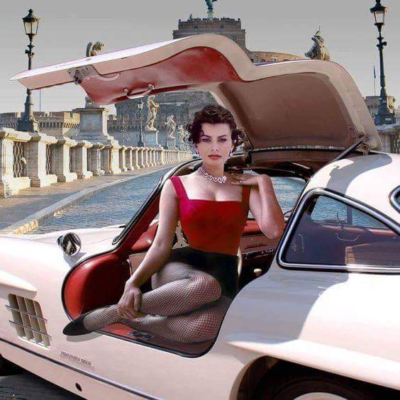 Sophia Loren and a '55 Mercedes 300SL Gullwing
