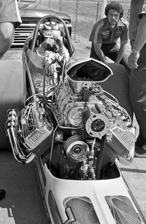 tunnelram.net_1960s drag racing (4).jpg