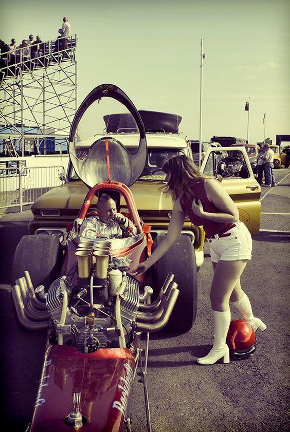 tunnelram.net_1960s drag racer.jpg