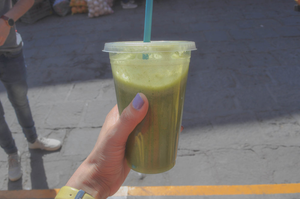 Jugo verde/Green juice from the market