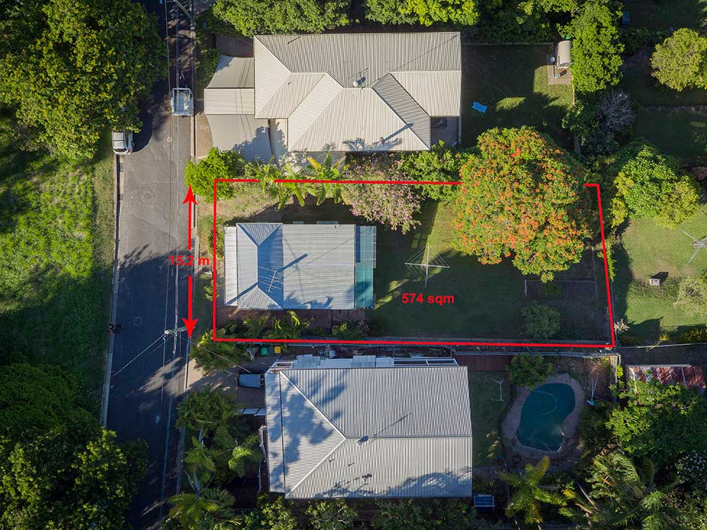 Birds-eye-view with boundary marks of property