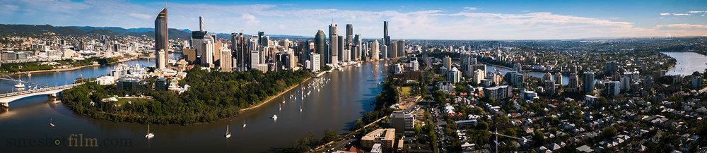 Beautiful Brisbane River and city, panoramic shot.