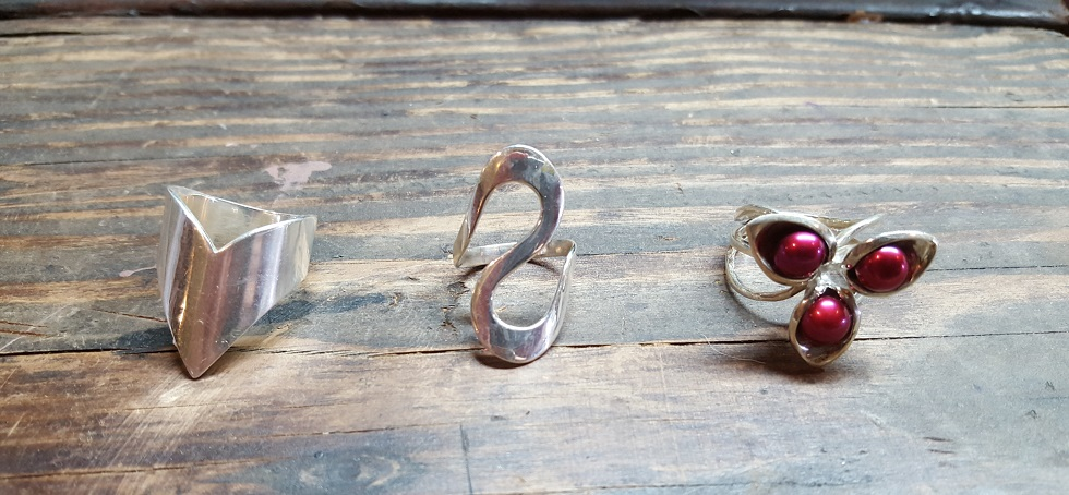 silver ring showcase 01.jpg