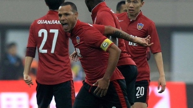35-year-old Luis Fabiano signs contract earning 146,000 USD monthly in Chinese Second Division
