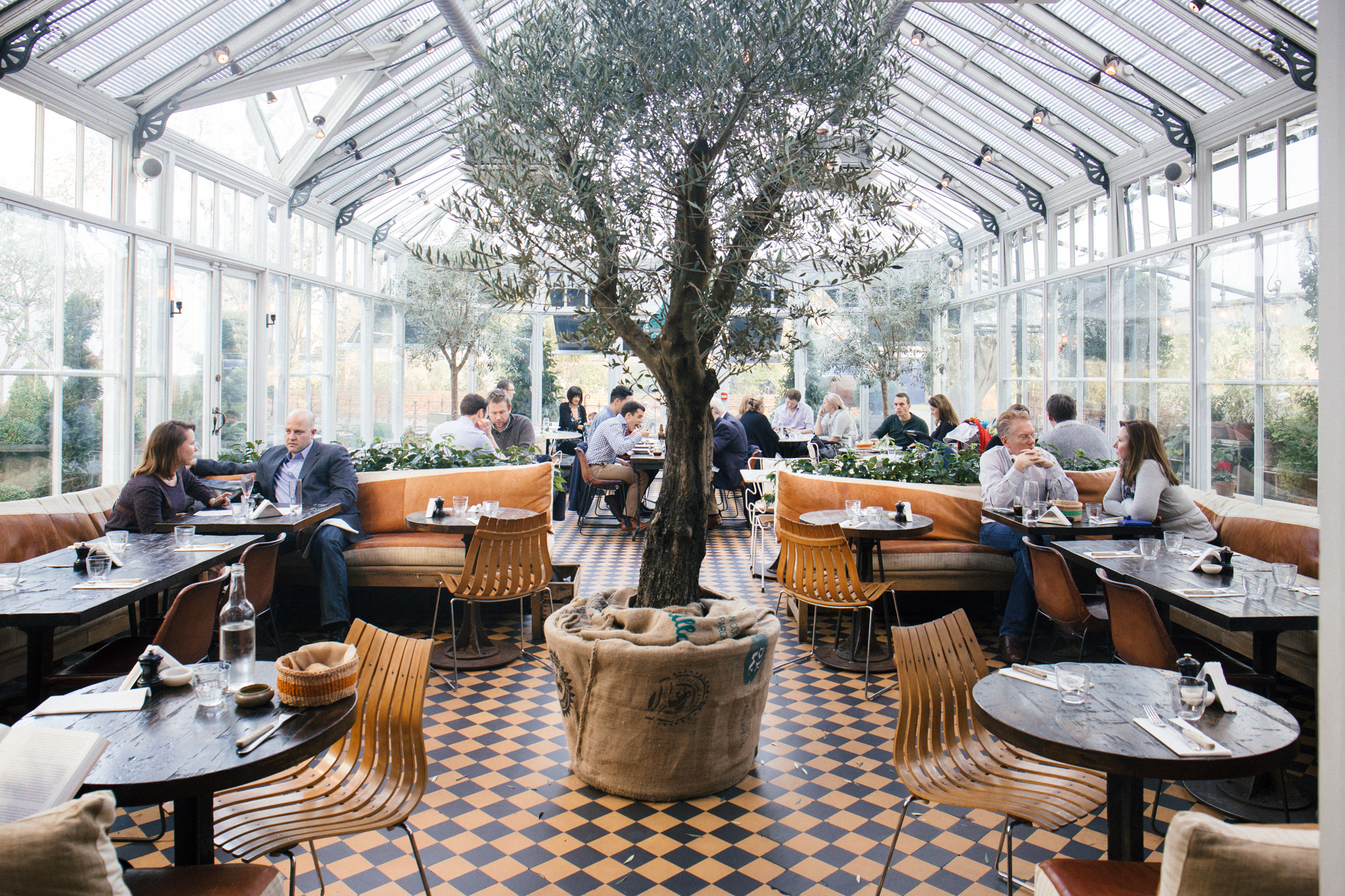 Express lunch at big easy iswas london for Cafe le jardin bell lane london