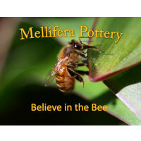 Mellifera Pottery : beautiful bee-inspired pottery