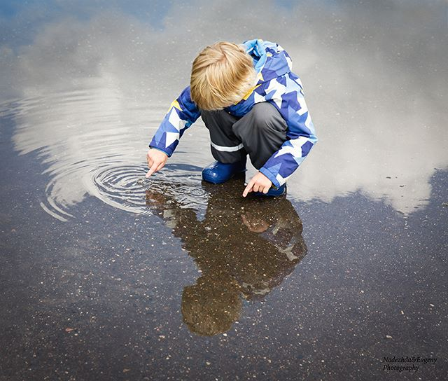 Touching clouds in a water puddle. . #childhoodunplugged #momswithcameras #momtogs #momtog #mom_hub #clickinmoms #letthekids #pixelkids #thebloomforum #cameramama #candidchildhood #wildlittleadventurers #littlepeoplelittlethings #our_everyday_moments #clickmagazine #clickpro #themindfulapproach #dear_photographer