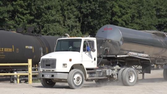 Runyon Industries ofrece una flota de cisterna de vagónes privados para embarques en los Estados Unidos, Canadá y México.
