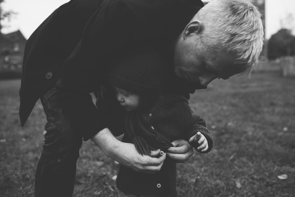 Your simple moments, captured. - Honest storytelling.Images with love, emotion and movement for you, your family, wedding, business or brand.