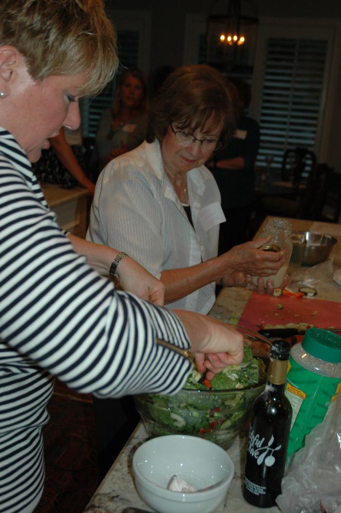 29-preparing-salad_0093.jpg