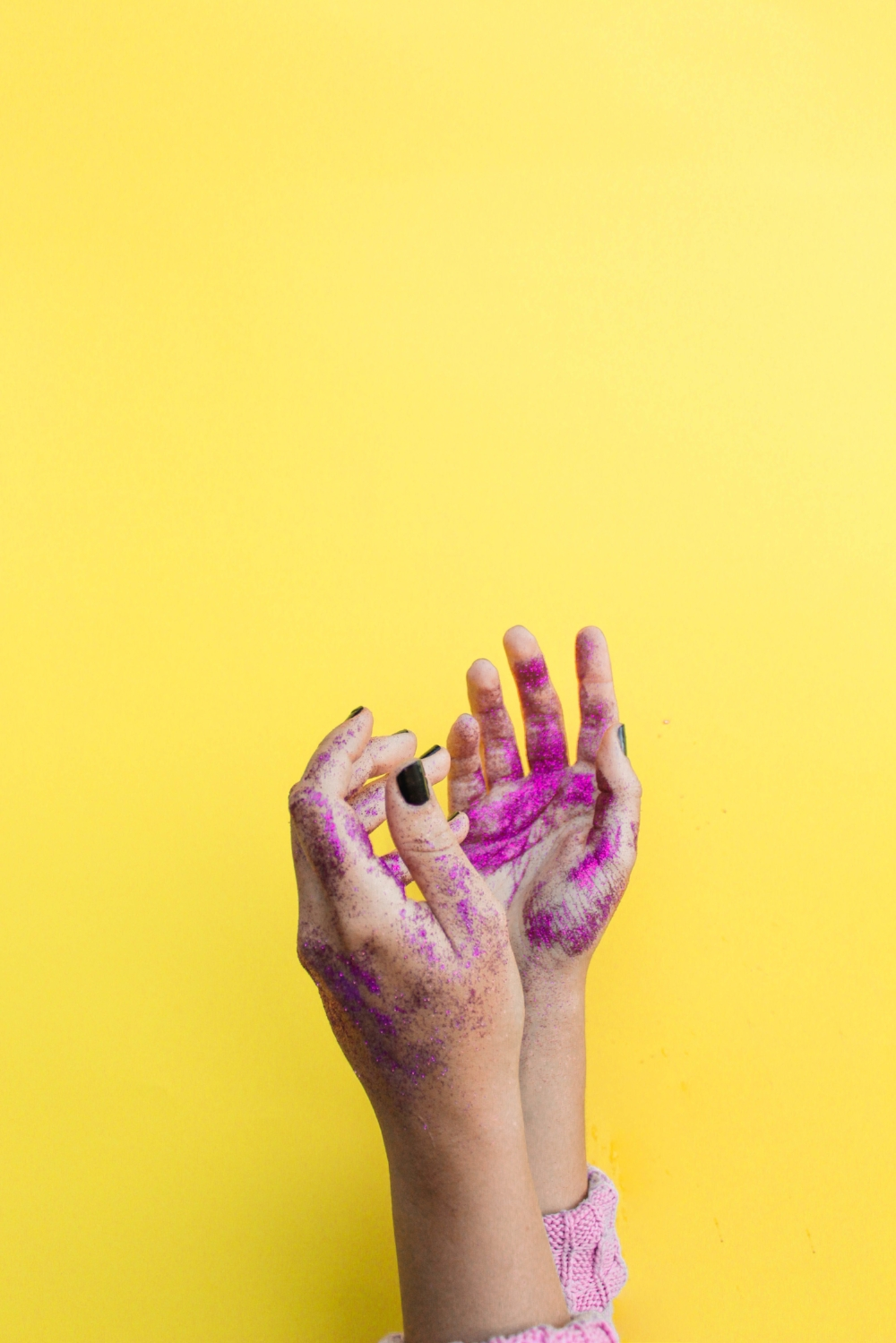 chosen because gemini rules the hands, arms & the color yellow. from UNSPLASH by NICOLE HONEYWILL