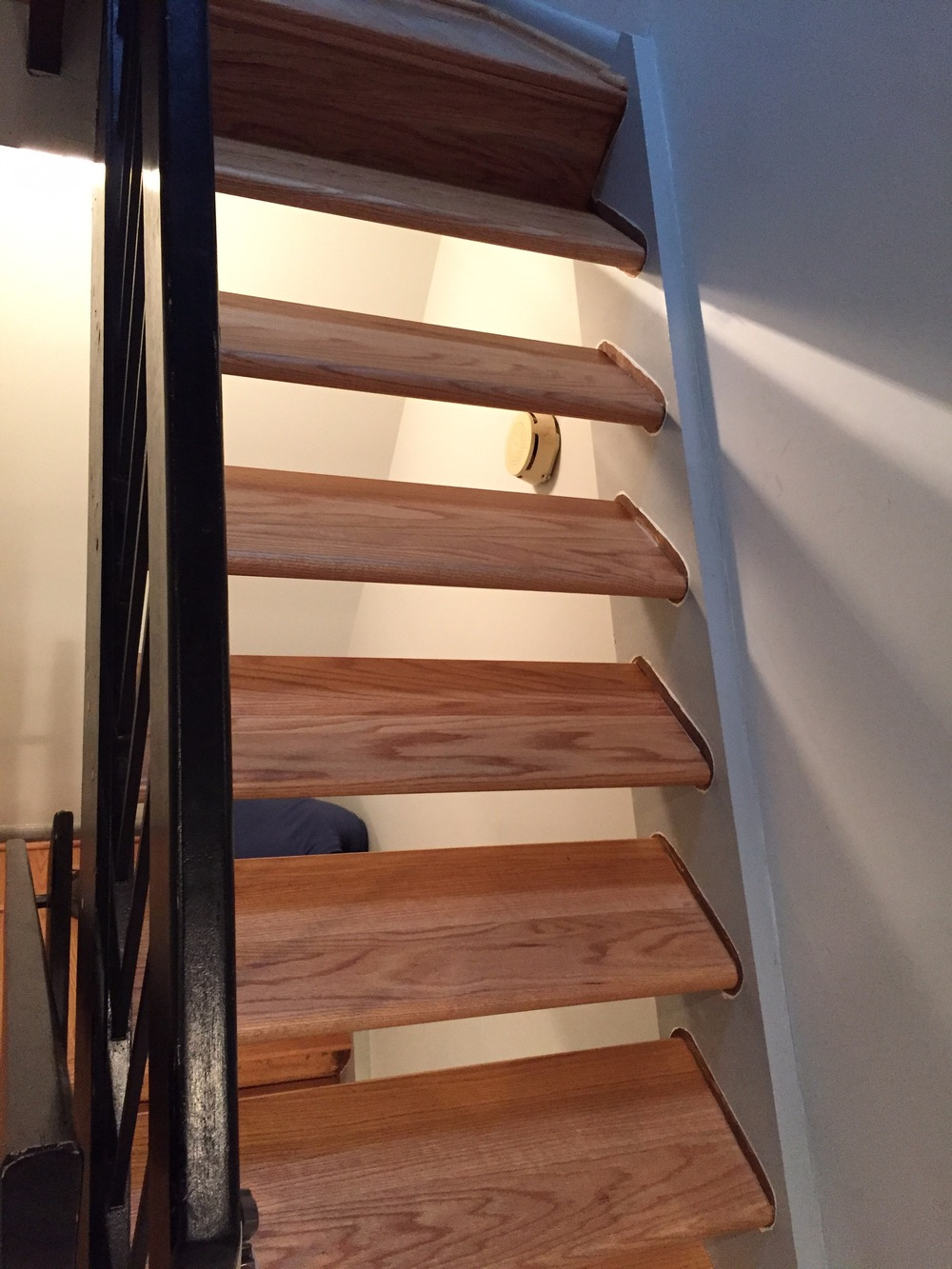 1 - Custom Oak Floating Stairs.jpg