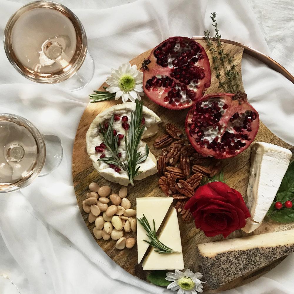 - diy holiday cheese board