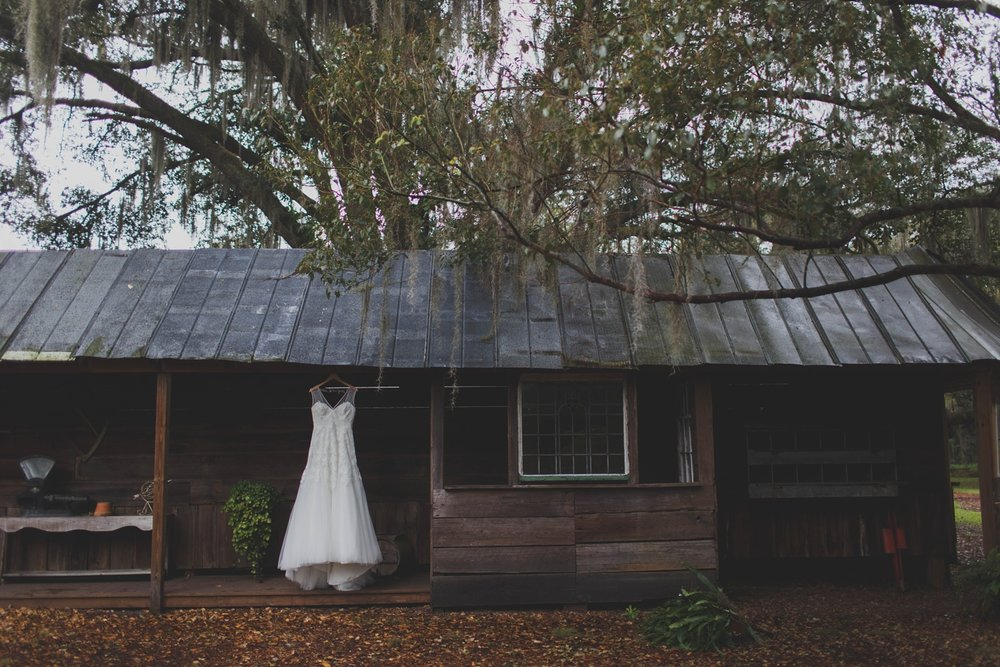 Tampa wedding photograper outdoor vintage boho wedding Stacy Paul Photographer_0010.jpg