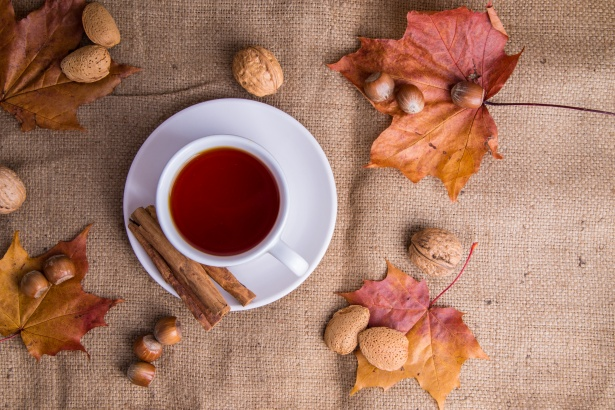 tea-and-autumn-decorations-147188828306k.jpg