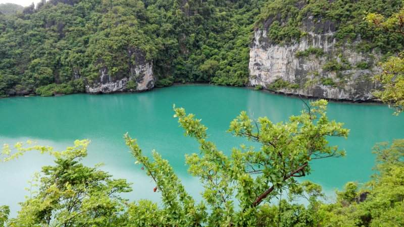 Blue lagoon, or Emerald lake, at the centre of Ko Mae Ko