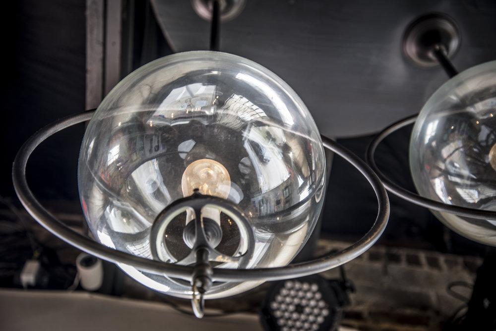 industrial-lamp-decor