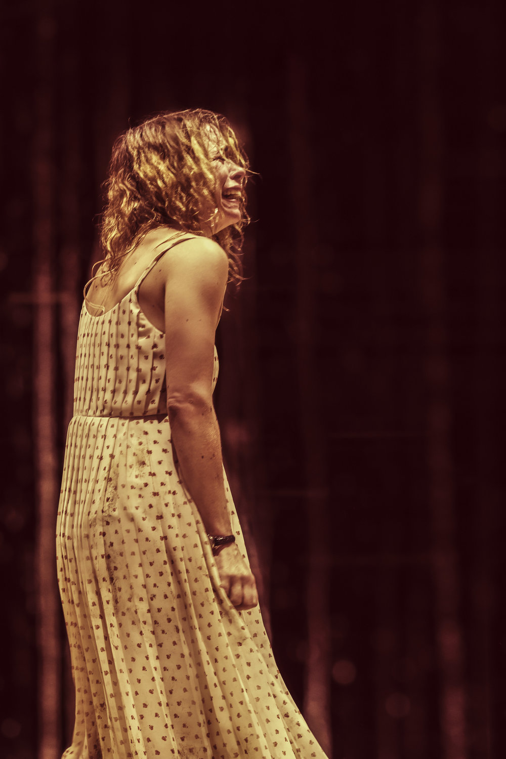 Billie Piper (Her) in Yerma at the Young Vic, photo by Johan Persson (2).jpg