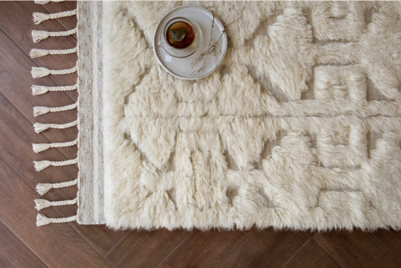 hygge-rug-loloi-white-wool-tassels-omaha-nebraska
