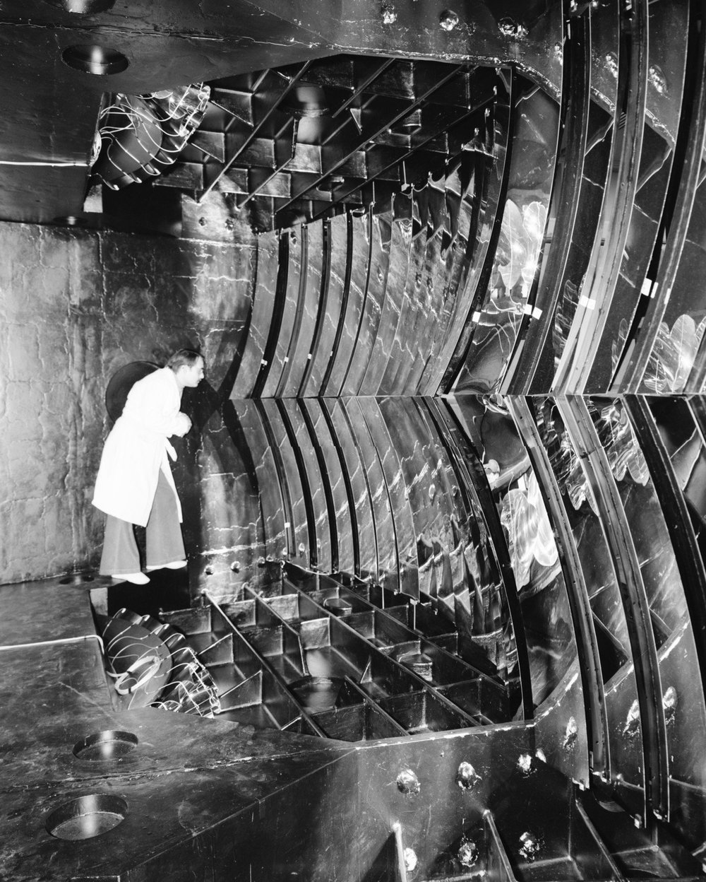 Elliptical mirrors of the large Cherenkov counter at CERN