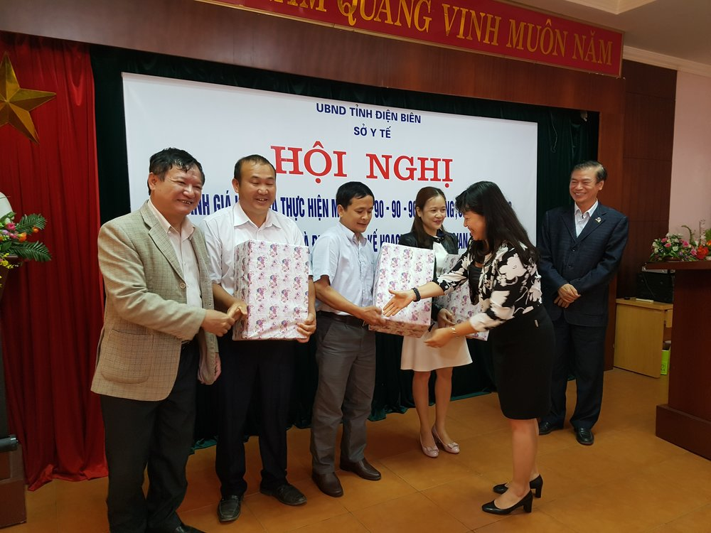 Health officials from three Dien Bien districts receive awards from USAID SHIFT for outstanding performance during the recent Tet HIV case-finding campaign