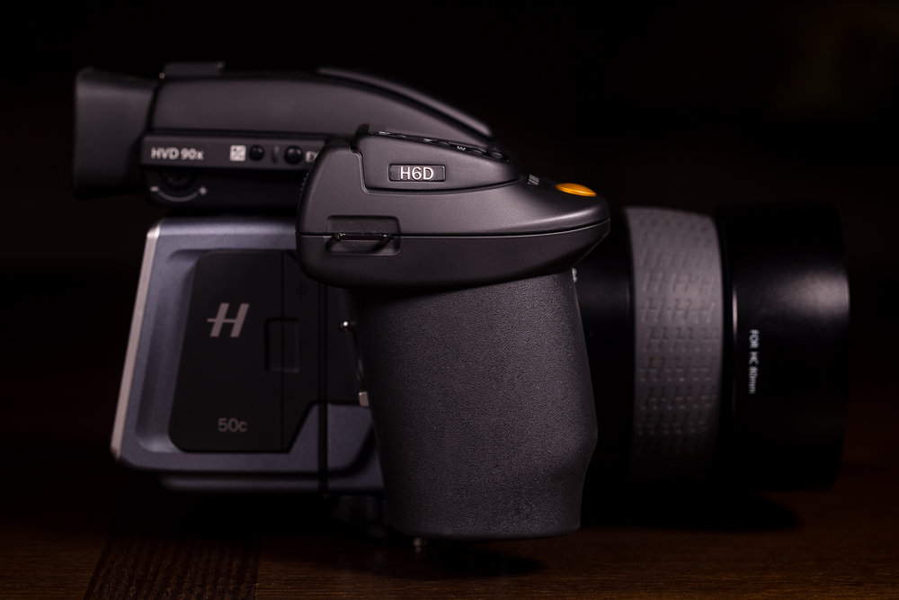 The battery/grip and ergonomics on all Hasselblad cameras is extremely comfortable and the camera is well-balanced, even with large lenses.