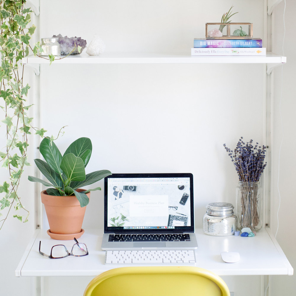 Desk-computer.jpg