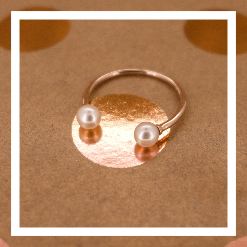 18K rose gold ring with pearls